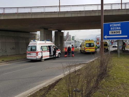 Dopravná nehoda piatich vozidiel