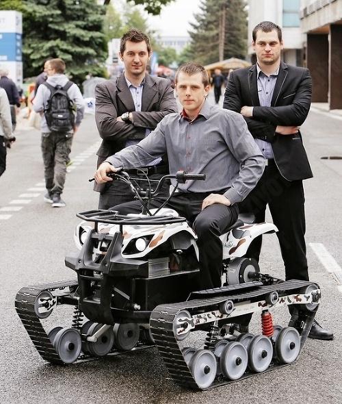 Pásové vozidlo zostrojené