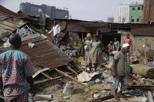 FOTO Tragický pád budovy