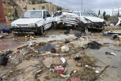 Ničivé záplavy v Iráne: