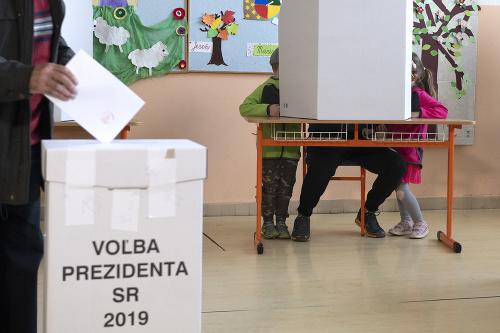 Volebná miestnosť v Bratislave