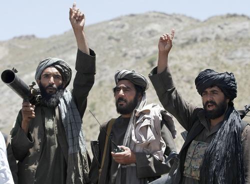 Militanti z hnutia Taliban