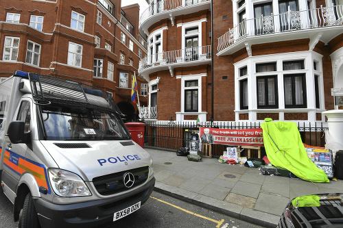 PRÁVE TERAZ Britská polícia