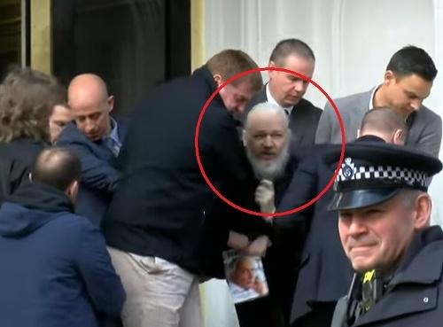 Britská polícia zatkla na
