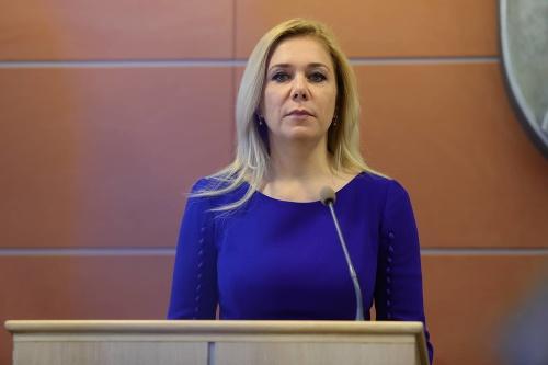 Saková predĺžila expremiérovi Ficovi