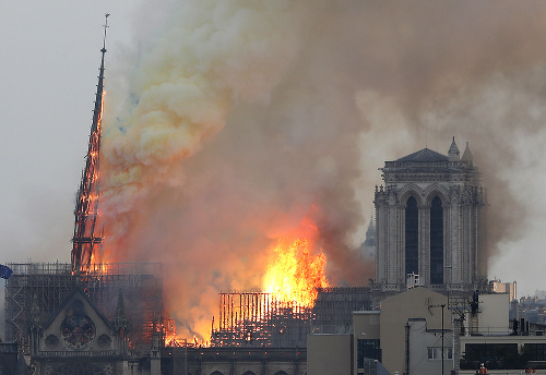 MIMORIADNY ONLINE Parížska katedrála