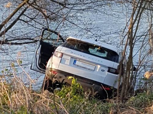 Range Rover skončil v