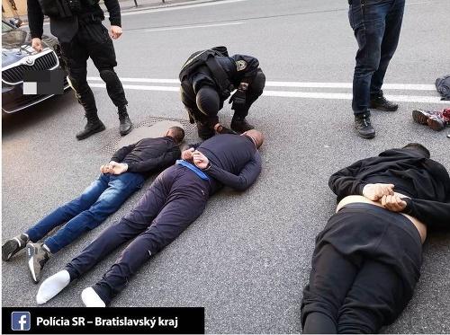 FOTO Polícia zatkla štyroch