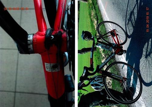 Cyklista po nehode leží