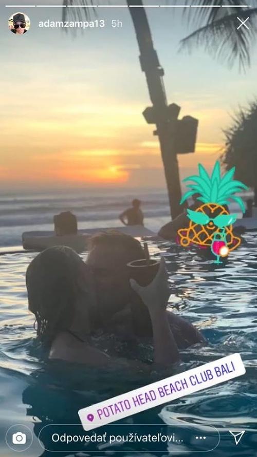 Adam Žampa s priateľkou