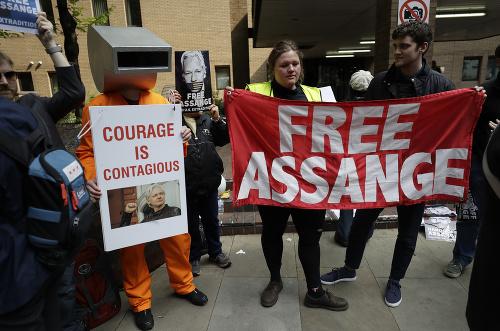Assange potvrdil svoje odhodlanie