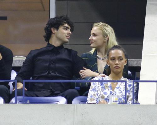Joe Jonas a Sophie