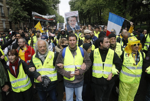 Demonštranti z francúzskeho hnutia