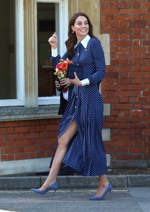 Vojvodkyňa Kate pustila fotografov