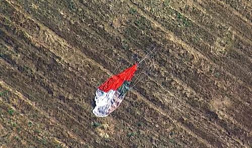 Stíhačka F-16 zasiahla budovu