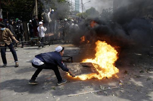 Jakarta sa zmieta v