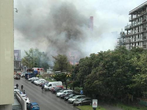Požiar mal zasiahnuť budovu