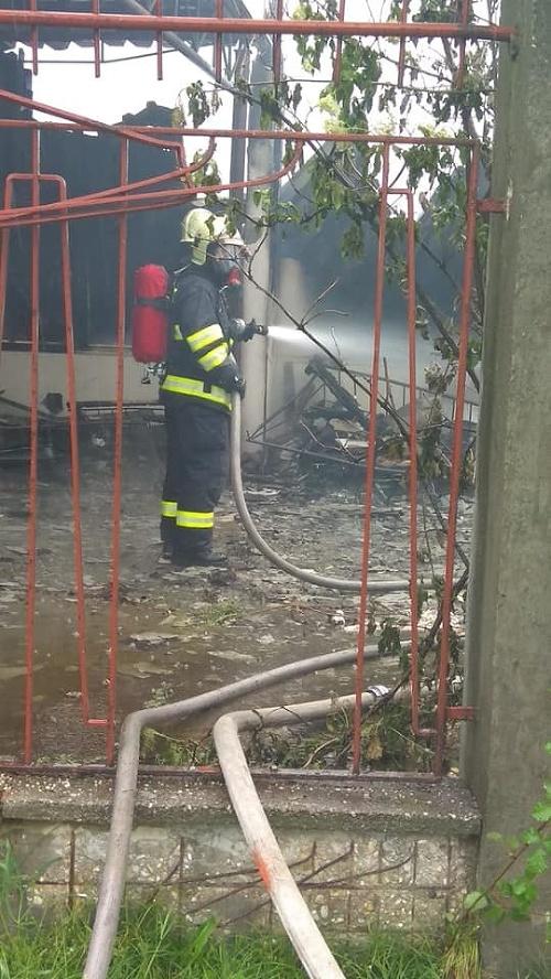 Požiar opustenej budovy v