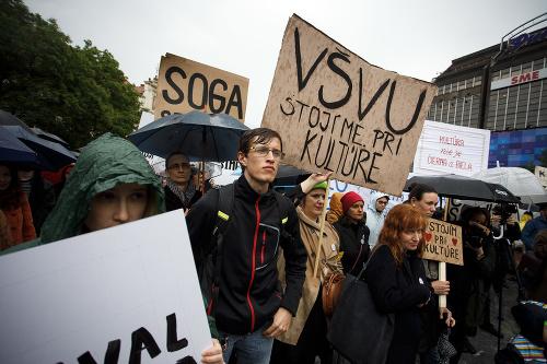 Účastníci protestu s názvom