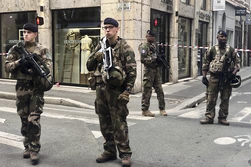 AKTUÁLNE V Lyone explodoval