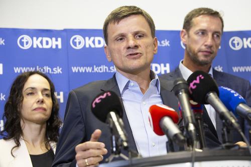 Miriam Lexmann (vľavo), predseda