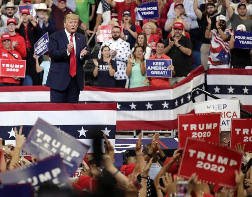 Trump vstupuje do ďalších