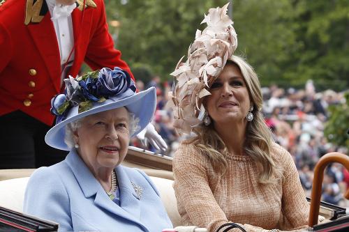 FOTKY vojvodkyne Kate vyvolali