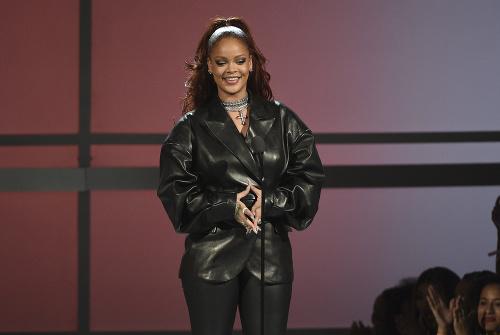 Rihanna sa predviedla v