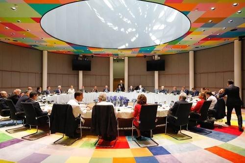 Summit EÚ predstavil štyri