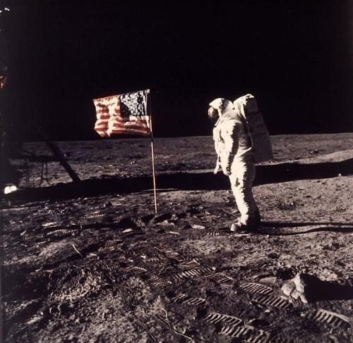 PRIZNANIE astronautov po 50