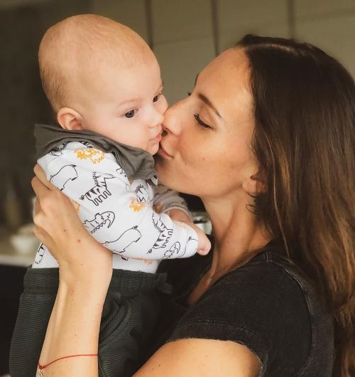 Monika Sakmanová so synčekom