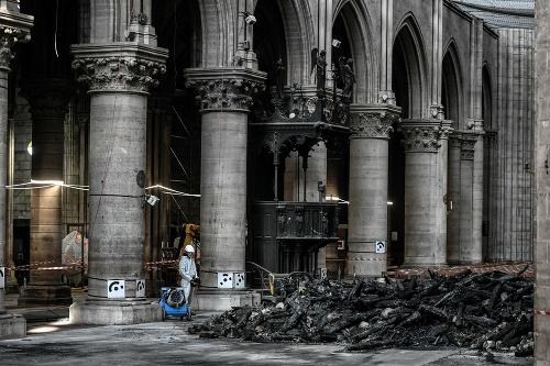 Rekonštrukčné práce na parížskej