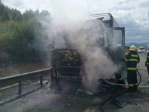 Požiar kamiónu na D1.