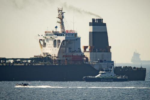 Britský tanker v rukách