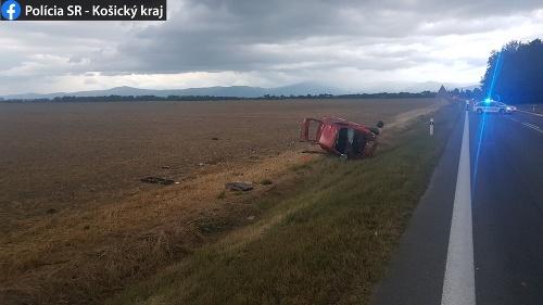 Vodič utrpel ťažké zranenia.