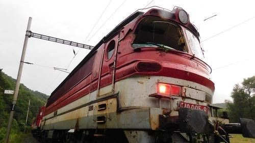 Desivá jazda vlakom smerujúceho