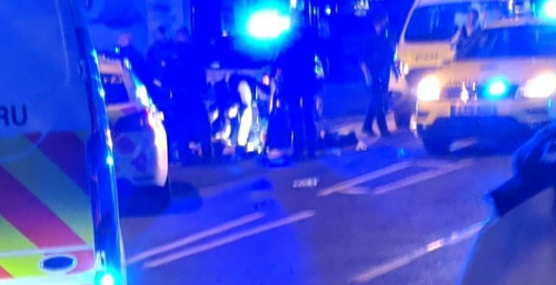 Policajta muž napadol s