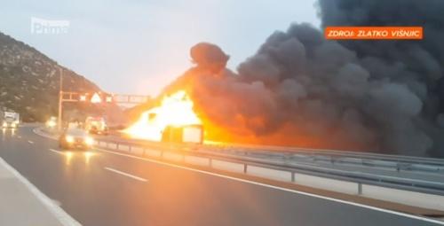 Požiar autobusu v Chorvátsku.