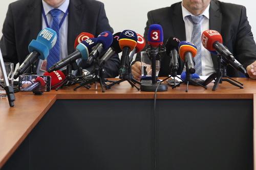 Politici podporujú výzvu prokurátorov: