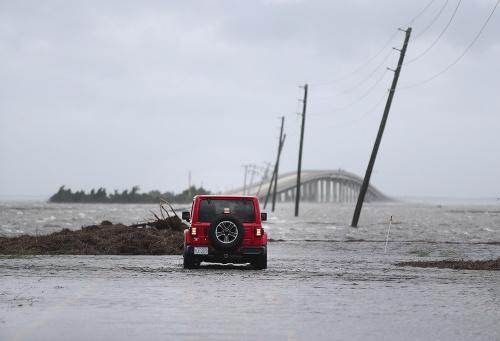Stred hurikánu Dorian sa