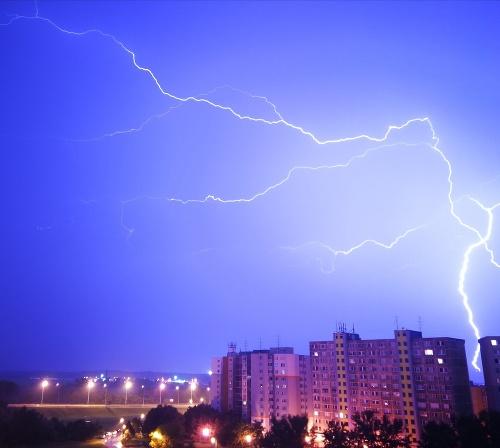 Búrka v Bratislave.