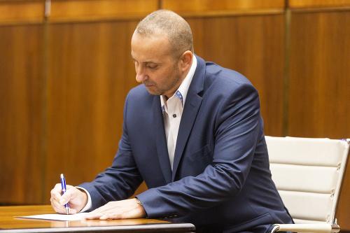 Mazurekov náhradník prezliekol kabát: