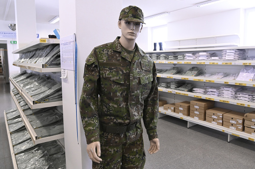NAKA vyšetruje nákupy vojenského