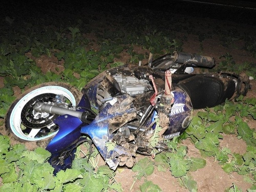 Motorkár skončil ťažko zranený