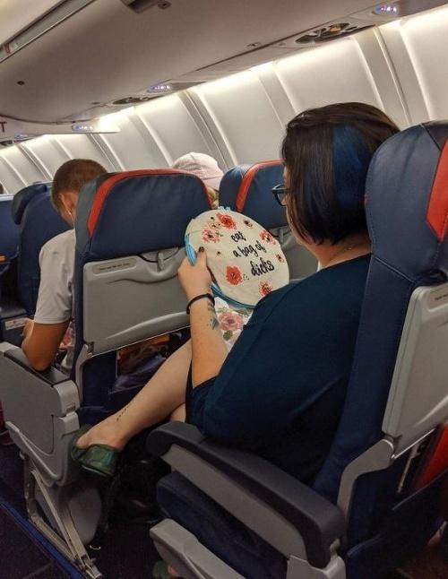 Pasažierka si počas letu