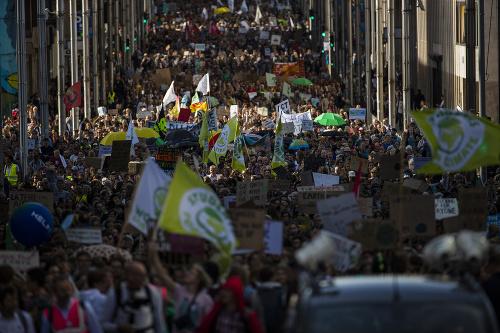 Na klimatických protestoch vyšli