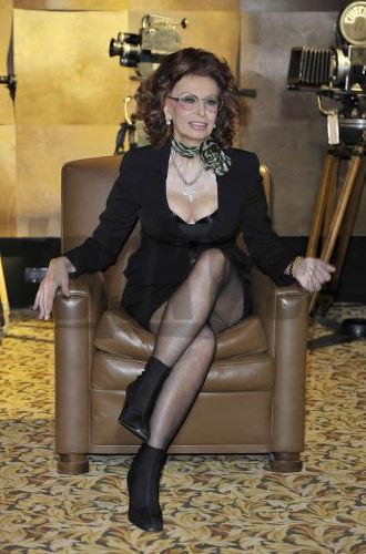 Sophia Loren sa výstrihov