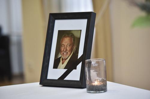 Záujem o kondolenčnú knihu