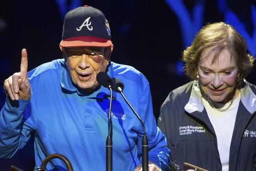 Jimmy Carter utrpel zranenie