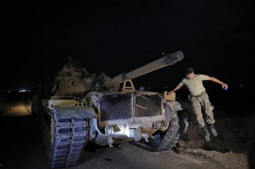 MIMORIADNE Turecko spustilo vojenskú